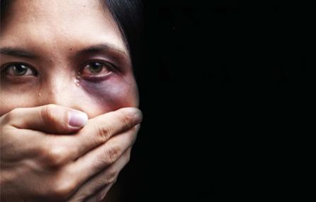 Violenza di genere: avviso pubblico della Regione
