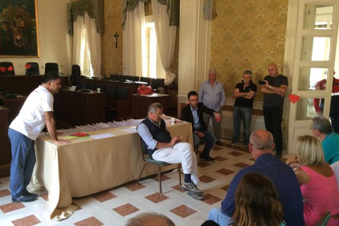 """Buschini presso il presidio dei dipendenti del Trinità di Sora: """"Convocherò un tavolo tecnico in Regione per studiare i provvedimenti necessari per l'ospedale"""""""