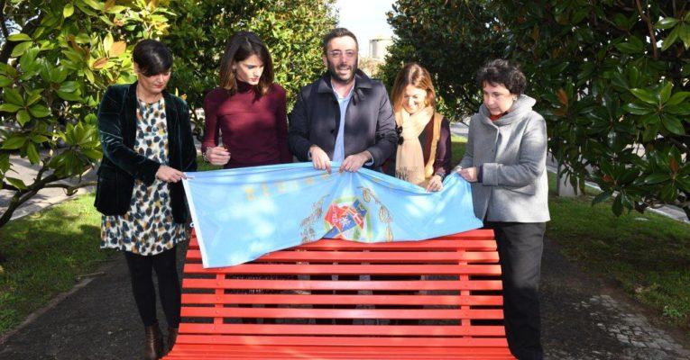 VIOLENZA DONNE, AL CONSIGLIO REGIONALE LAZIO DUE PANCHINE ROSSE CONTRO FEMMINICIDI